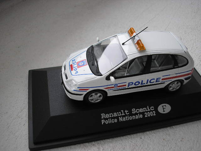 Renault Scénic Police Nationale F 2002.jpg