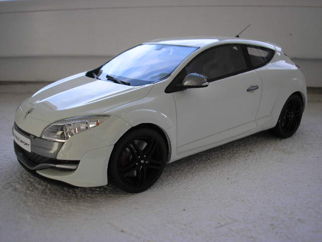 Renault Megane III RS 1-18 Otto Models limited No.441-500